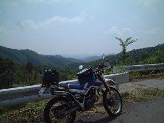 葦嶽山入り口から南を見る
